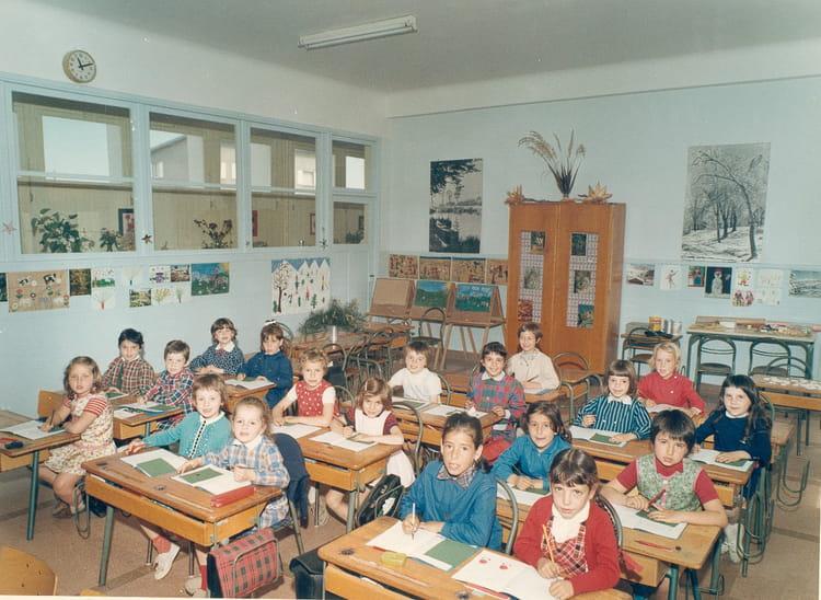 photo de classe ce1 de 1969 ecole bel air la chapelle saint mesmin copains d 39 avant. Black Bedroom Furniture Sets. Home Design Ideas