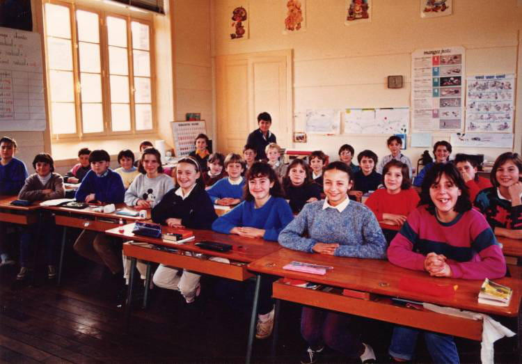photo de classe cm2 de 1986 ecole claude debussy dinard copains d 39 avant. Black Bedroom Furniture Sets. Home Design Ideas