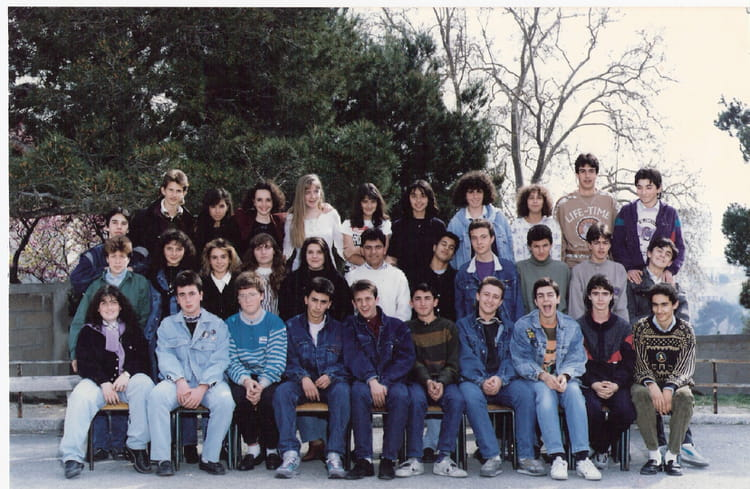 photo de classe de 1989 college henri barnier copains d 39 avant. Black Bedroom Furniture Sets. Home Design Ideas