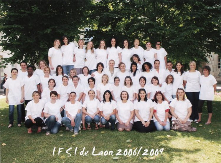 photo de classe ifsi de laon de 2009 institut de formation en soins infirmiers centre. Black Bedroom Furniture Sets. Home Design Ideas