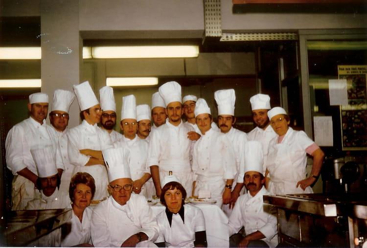 Photo de classe classe brevet professionnel cuisine de 1976 cfa jean ferrandi copains d 39 avant - Brevet professionnel cuisine ...
