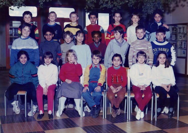 photo de classe classe de cm1 de 1985 ecole jean rostand bourgoin jallieu copains d 39 avant. Black Bedroom Furniture Sets. Home Design Ideas