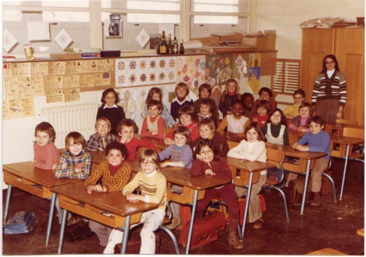 photo de classe ce2 de 1977 ecole jules ferry brie comte robert copains d 39 avant. Black Bedroom Furniture Sets. Home Design Ideas