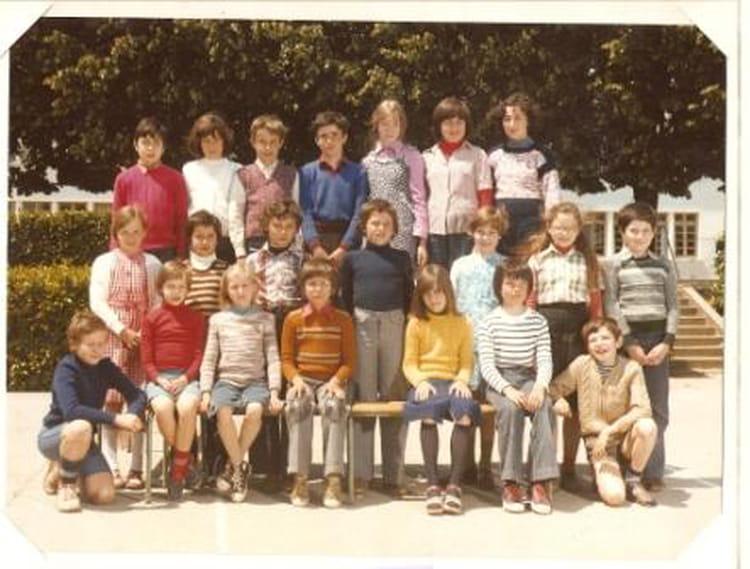 Photo de classe cm2 de 1976 ecole leonce gluard la roche - Cours cuisine la roche sur yon ...