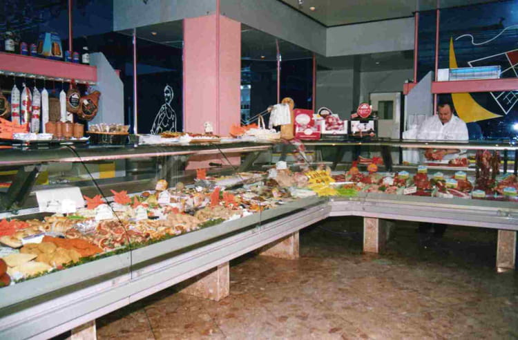 Photo de classe Interieur magasin de 1988, Boucherie Traiteur Jean ...