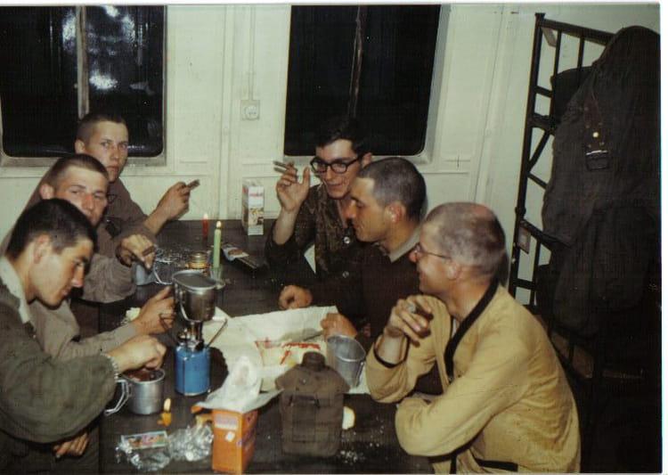 Photo de classe repas du soir entre copains 2 eme compa 2 for Idee repas entre copain