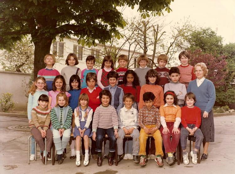 photo de classe ce2 ann e 1982 1983 de 1982 ecole maurice denis copains d 39 avant. Black Bedroom Furniture Sets. Home Design Ideas