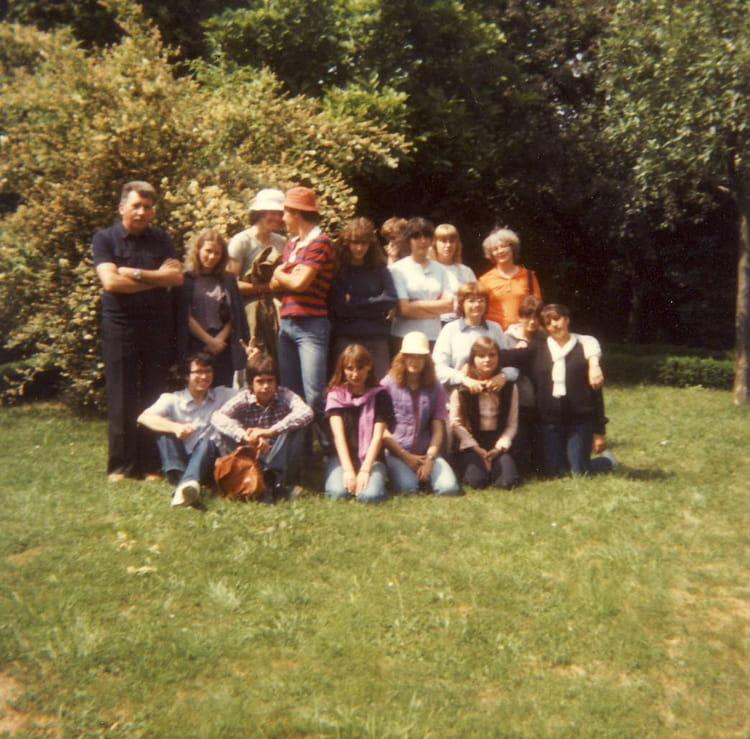 photo de classe classe de seconde a de 1980 lyc 233 e portes de l oisans copains d avant