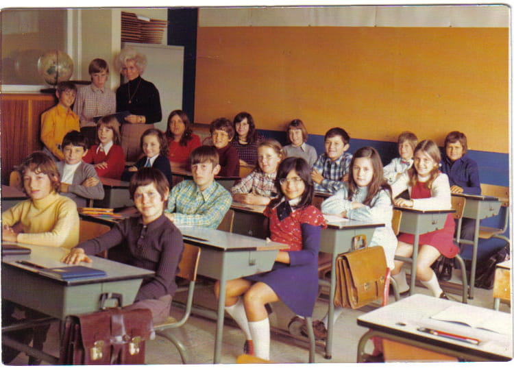 photo de classe 6 me ann e 73 74 de 1974 ecole primaire du plateau des trixhes copains d 39 avant. Black Bedroom Furniture Sets. Home Design Ideas