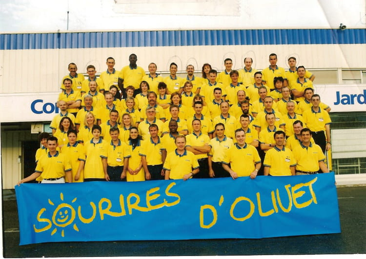 Photo de classe 1999 30 ans casto olivet de 1999 for Castorama olivet horaires