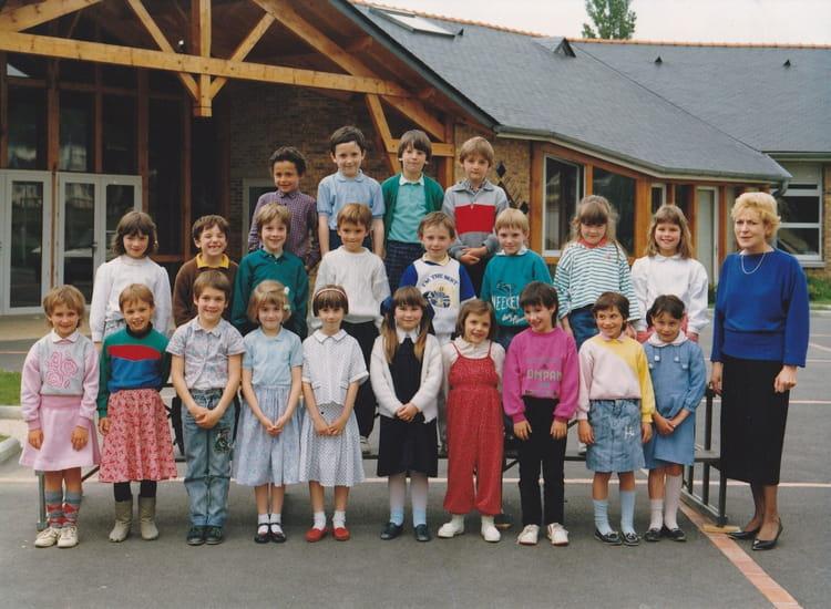 Photo de classe cp de 1987 ecole la pleiade la chartre sur le loir copai - La chartres sur le loir ...