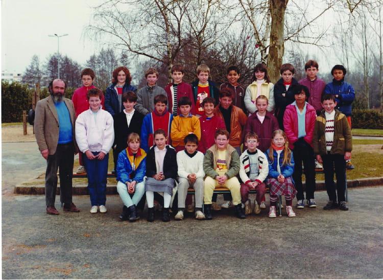 Photo de classe cm2 de 1985 ecole rivoli la roche sur - Cours cuisine la roche sur yon ...