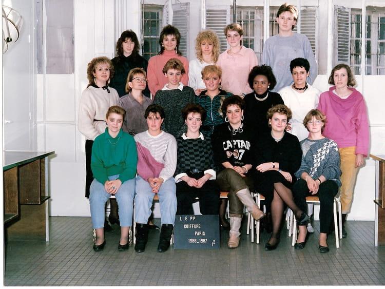 Photo de classe école de coiffure rue d'enghien de 1986, ECOLE ...