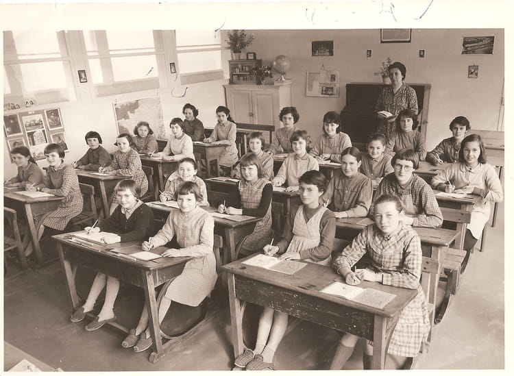 photo de classe derni re classe primaire de 1962 ancienne ecole copains d 39 avant. Black Bedroom Furniture Sets. Home Design Ideas