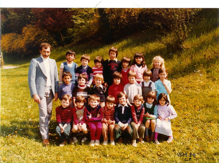photo de classe cp de 1979 ecole louis pasteur la tour du pin copains d 39 avant. Black Bedroom Furniture Sets. Home Design Ideas