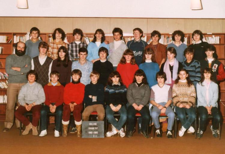 photo de classe 3 1 de 1983 coll ge l 39 oiseau blanc copains d 39 avant. Black Bedroom Furniture Sets. Home Design Ideas