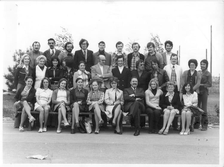 Photo de classe professeurs ces vitry en artois 1974 de for Aquatis vitry en artois