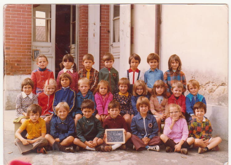 photo de classe maternelle st remy en rollat de 1973 ecole communale copains d 39 avant. Black Bedroom Furniture Sets. Home Design Ideas