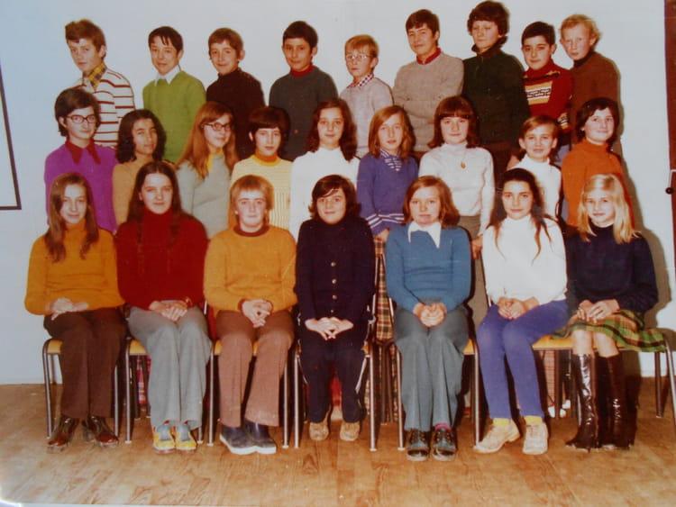 photo de classe 6 233 me a de 1974 coll 232 ge porte d anjou copains d avant