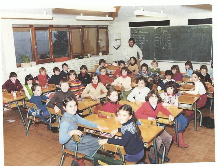 Photo de classe cm1 de 1981 ecole jacques prevert saint - Piscine saint maurice de beynost ...