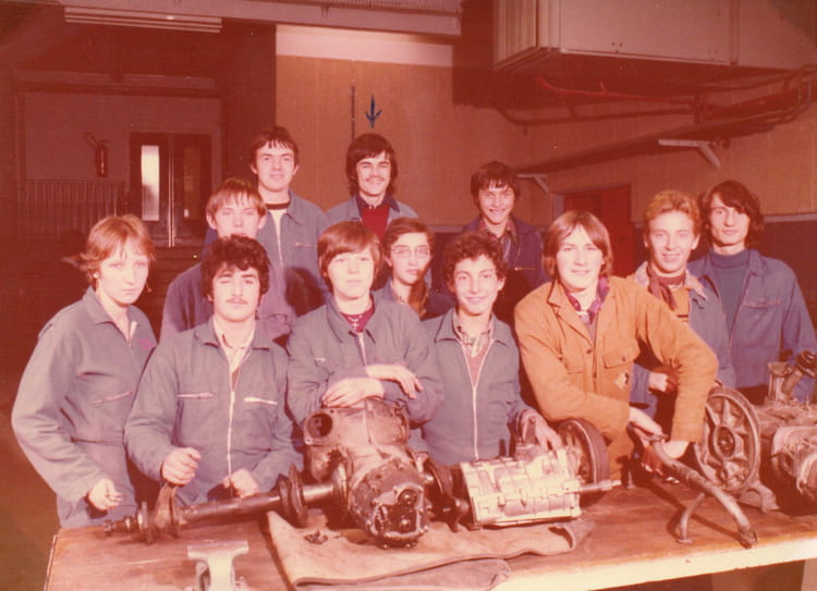 photo de classe mecanique auto de 1979 lyc e professionnel emile levassor copains d 39 avant. Black Bedroom Furniture Sets. Home Design Ideas