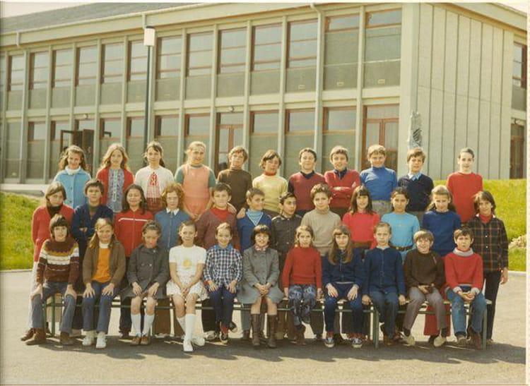 Photo de classe ecole saint genis pouilly de 1971 ecole - Office du tourisme saint genis pouilly ...
