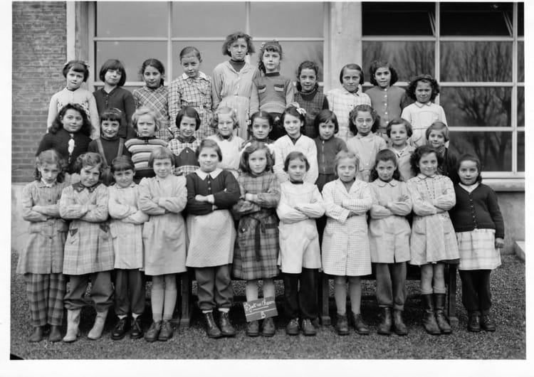photo de classe ecole valentin hauy de 1955 ecole v hauy saint just en chaussee copains d. Black Bedroom Furniture Sets. Home Design Ideas