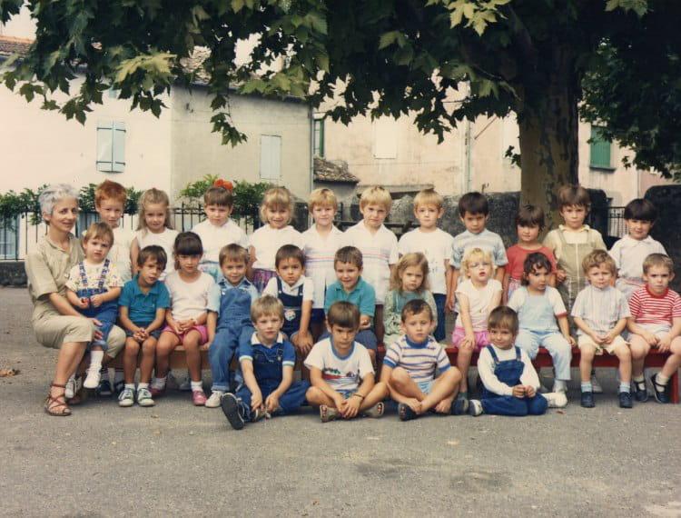 photo de classe grande section de 1987 ecole primaire saint didier sous aubenas copains d 39 avant. Black Bedroom Furniture Sets. Home Design Ideas
