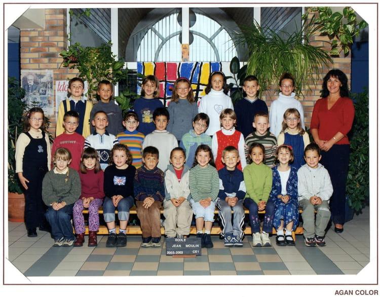 photo de classe ce1 de 2003 ecole jean moulin le may sur evre copains d 39 avant. Black Bedroom Furniture Sets. Home Design Ideas