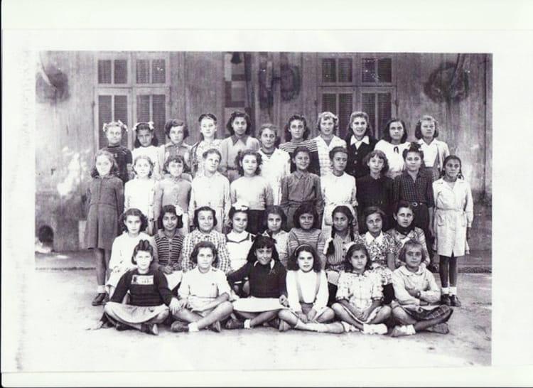 photo de classe classe jean jaures de 1951 coll ge jean jaur s copains d 39 avant. Black Bedroom Furniture Sets. Home Design Ideas
