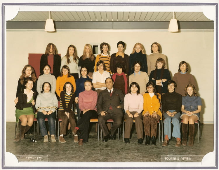 photo de classe terminale b de 1972 lycee de gonesse. Black Bedroom Furniture Sets. Home Design Ideas