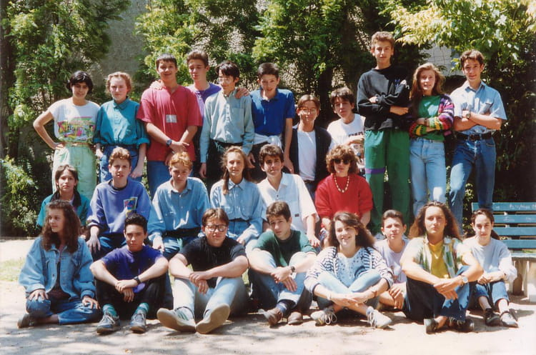 Photo de classe 3 me hugo de 1990 coll ge saint louis de for Salon saint louis dammartin en goele