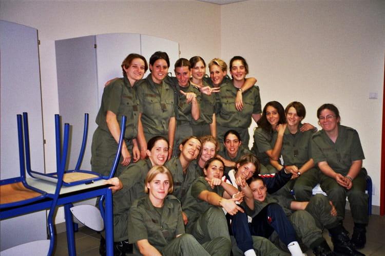 photo de classe ecole de gendarmerie tulle de 2003 ecole gendarmerie tulle ciga copains d. Black Bedroom Furniture Sets. Home Design Ideas