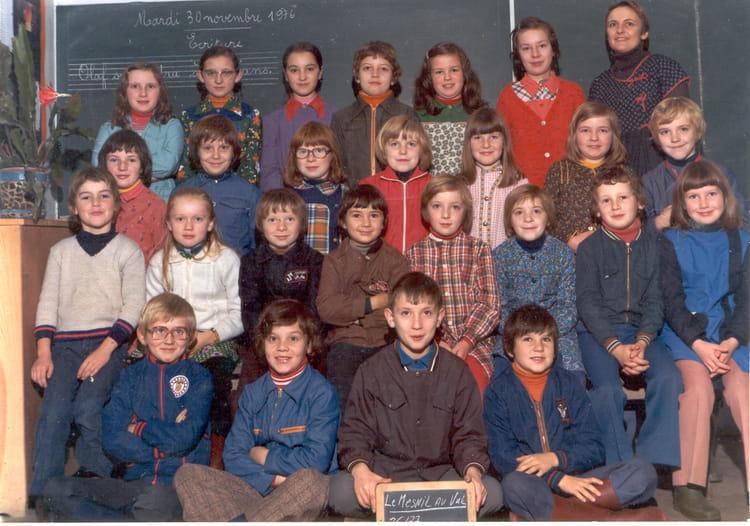 Photo de classe CE1 de 1976, Ecole Primaire (Le Mesnil Au Val ...