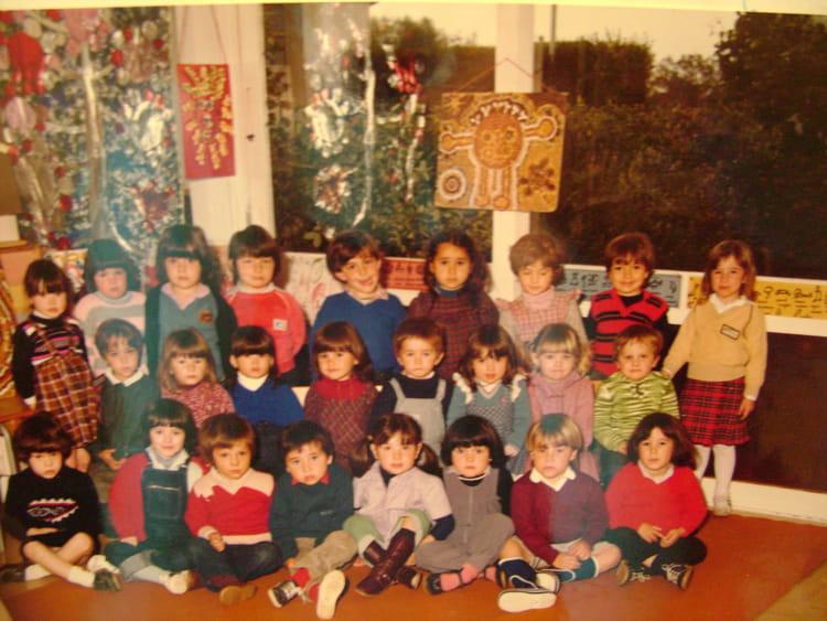 photo de classe maternelle de 1980 ecole charruauds libourne copains d 39 avant. Black Bedroom Furniture Sets. Home Design Ideas