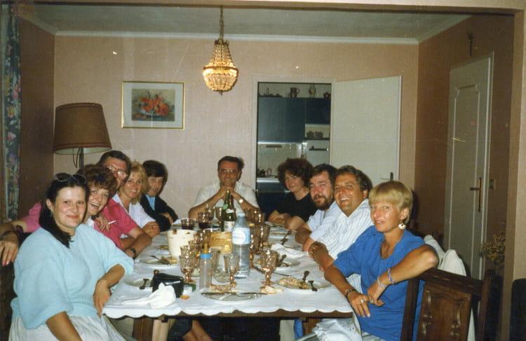Photo de classe repas entre amis de 1988 bnp paribas for Idee repas entre copain