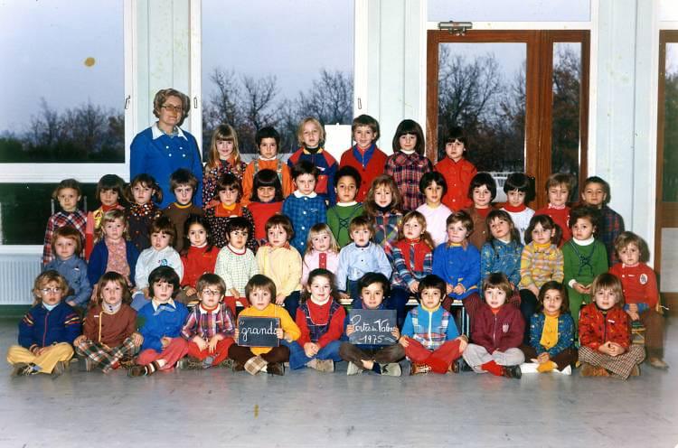 Photo de classe cole maternelle dvoltaire de 1975 ecole voltaire portes les valence - Mediatheque portes les valence ...