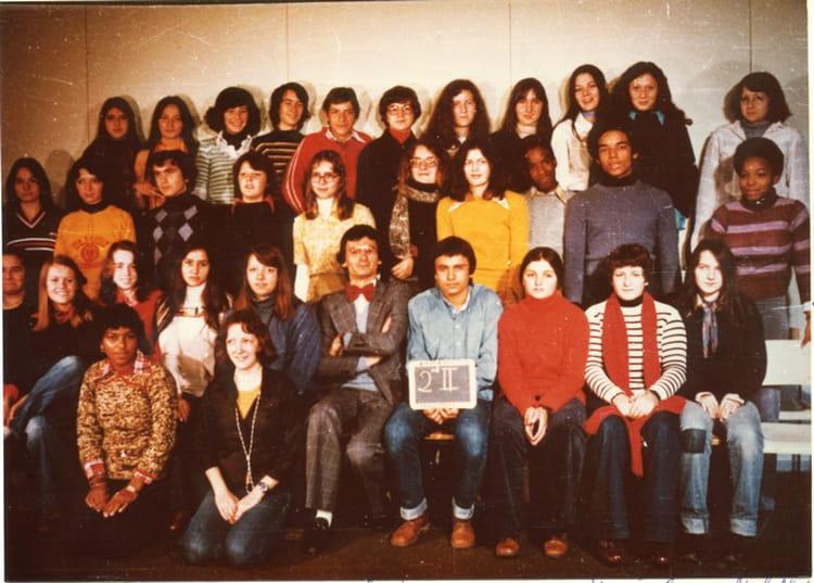 photo de classe seconde ii a4 de 1977 lyc e albert einstein copains d 39 avant. Black Bedroom Furniture Sets. Home Design Ideas