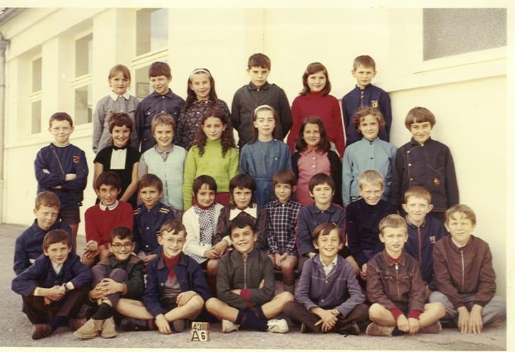 photo de classe cm2 jean mac 1972 de 1972 ecole groupe scolaire jean mace gueret copains d. Black Bedroom Furniture Sets. Home Design Ideas