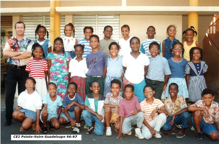 photo de classe ce2 pointe noire guadeloupe 76 77 de 1997 ecole primaire guadeloupe copains d. Black Bedroom Furniture Sets. Home Design Ideas