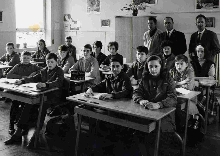 Photo de classe ces 4ec 1965 de 1965 coll ge du solrezis for Pronote college jean moulin salon