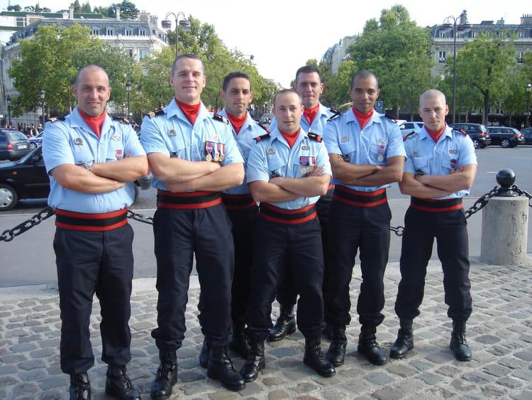 photo de classe paris de 2010 brigade de sapeurs pompiers de paris copains d 39 avant. Black Bedroom Furniture Sets. Home Design Ideas