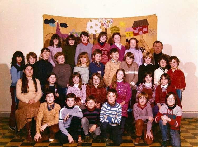 Photo de classe cm2 de 1981 ecole la polle cherbourg Cours de cuisine cherbourg