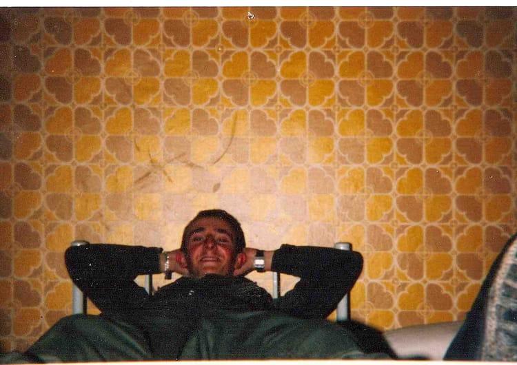photo de classe laurent apres une journ e de 1984 40 rt copains d 39 avant. Black Bedroom Furniture Sets. Home Design Ideas