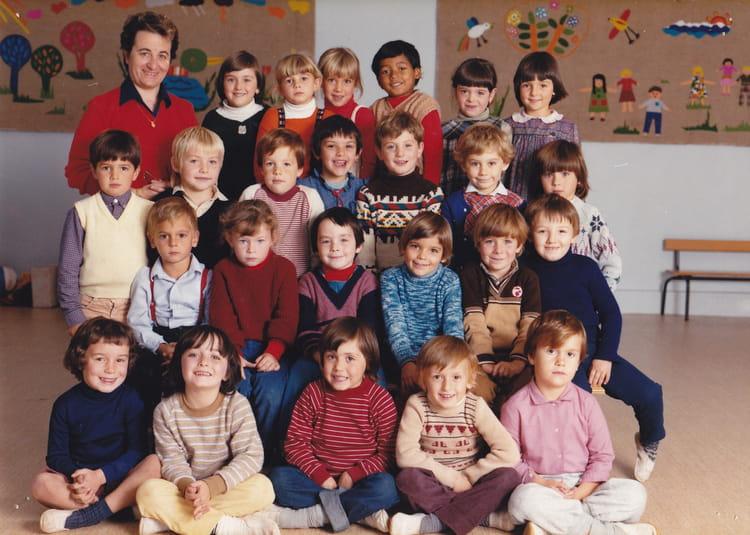 photo de classe derniere classe maternelle de 1982 ecole cassy copains d 39 avant. Black Bedroom Furniture Sets. Home Design Ideas