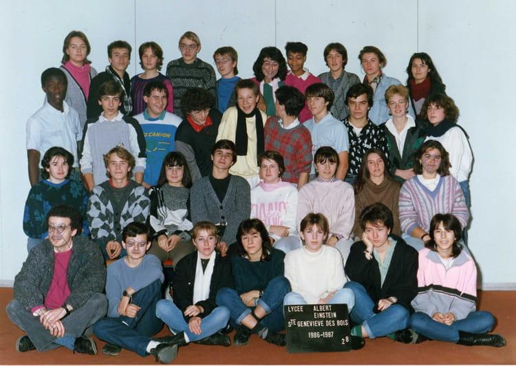 photo de classe 2nde8 de 1986 lyc e albert einstein copains d 39 avant. Black Bedroom Furniture Sets. Home Design Ideas