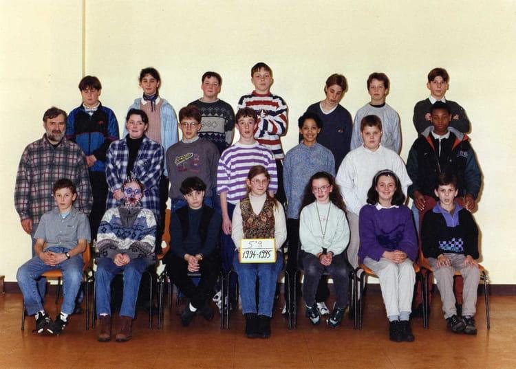 photo de classe 5 eme 9 de 1994 coll ge l 39 oiseau blanc copains d 39 avant. Black Bedroom Furniture Sets. Home Design Ideas