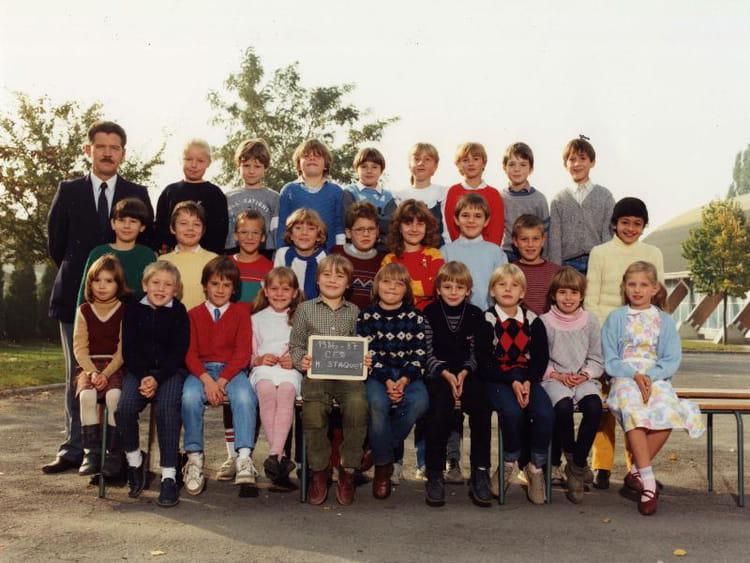 Photo de classe ce2 de 1987 ecole simeon cuveillier for Lariviere valenciennes