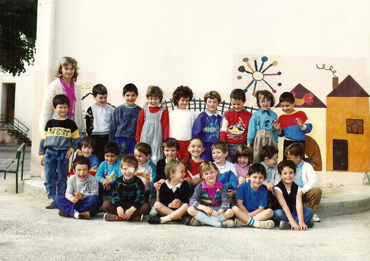 photo de classe grande section madame roux de 1987 ecole du port yenne copains d avant