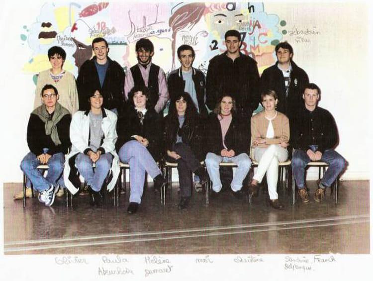 photo de classe bac g2 de 1992 lyc e edouard gand copains d 39 avant. Black Bedroom Furniture Sets. Home Design Ideas